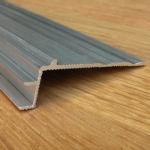 Плинтус Quick Step Алюминиевый вспомогательный профиль для лестниц Incizo